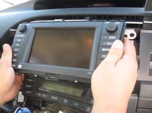 2009-2013 Toyota Prius radio installation step 6