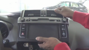 2014 Toyota PRADO Radio installation step 4