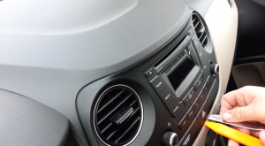 2009 Hyundai I20 Radio installation step 1