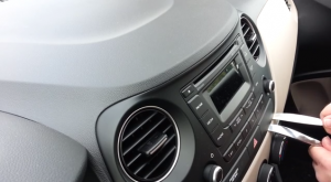 2009 Hyundai I20 Radio installation step 2