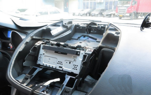 2013 Ford KUGA Radio installation step 10