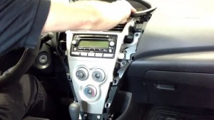 2003-2010 TOYOTA VIOS Radio installation step 2