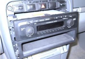 2003-2011 Porsche Cayenne radio installation step 3