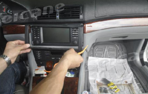 1996-2003 BMW 5 E39 car stereo installation step 2