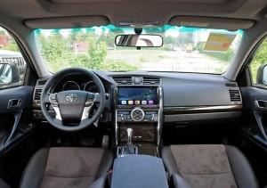 2010 Toyota REIZ Radio after installation