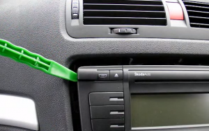 2014 2015 Skoda Octaiva head unit  installation step 3-4