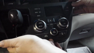 2015 Toyota Sienna Radio installation step 1