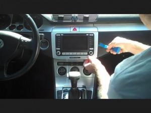 2008-2013 VW Volkswagen Passat CC radio installation step 1
