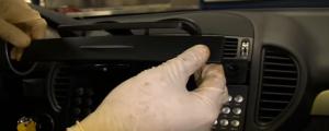 2004-2012 Mercedes-Benz SLK W171 R171 head unit installation step 16