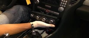 2004-2012 Mercedes-Benz SLK W171 R171 head unit installation step 9