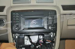 2005-2012 Mercedes-Benz ML CLASS W164 W166 head unit installation step 4