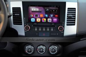 Mitsubishi OUTLANDER radio after installation