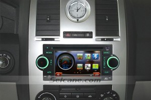 2006 2007 Jeep Commander (W Factory NAV) head unit after installation